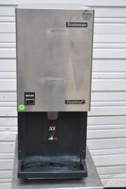 2015 SCOTSMAN MDT3F12A-1H 392 lb TOUCHFREE ICE MACHINE / DISPENSER